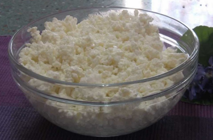 Cottage cheese in french language